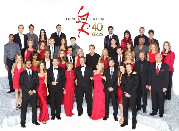 'Y&R's' 40th Anniversary Cast Photo with Behind the Scenes Video
